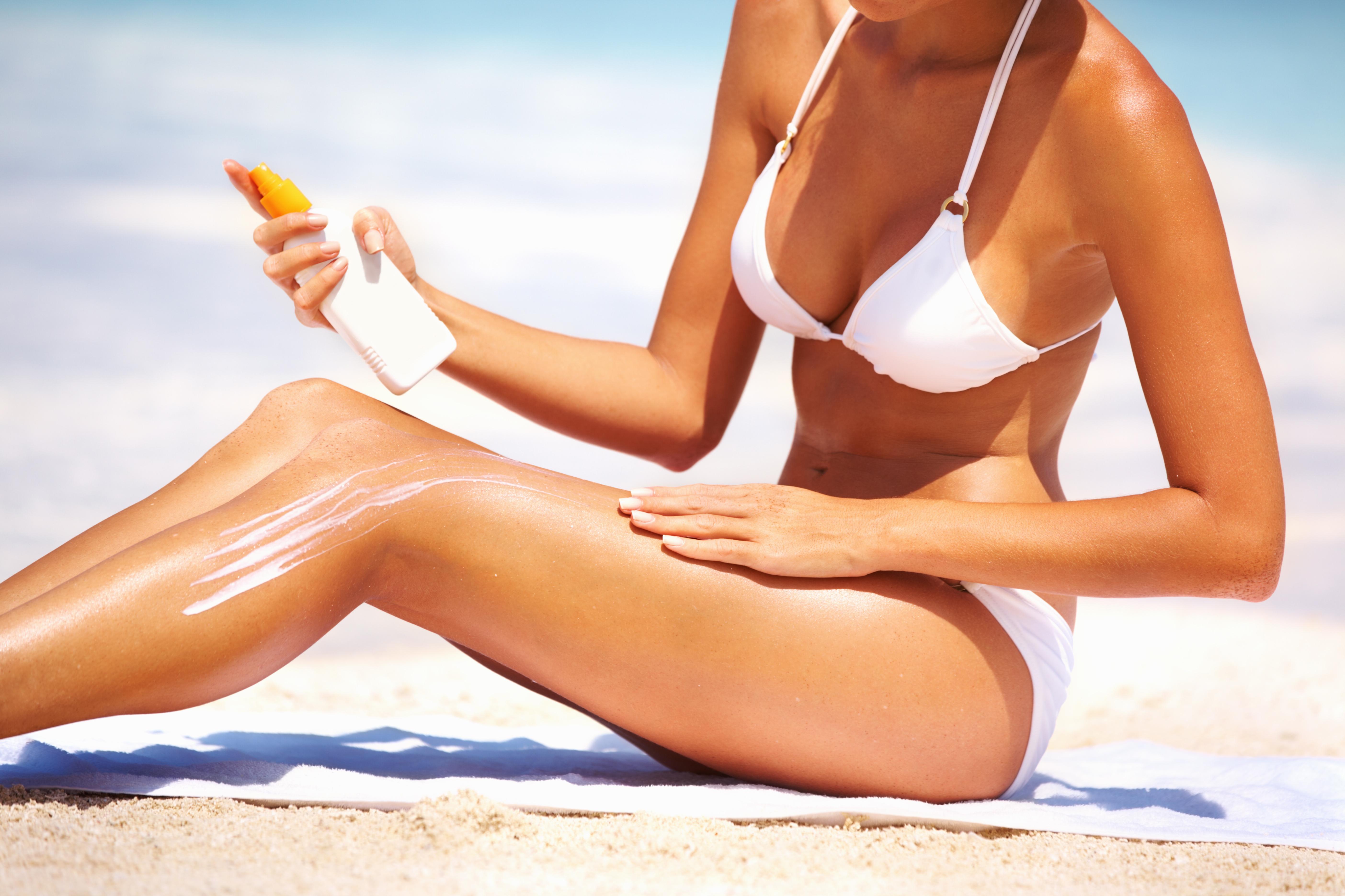 sun lotion woman