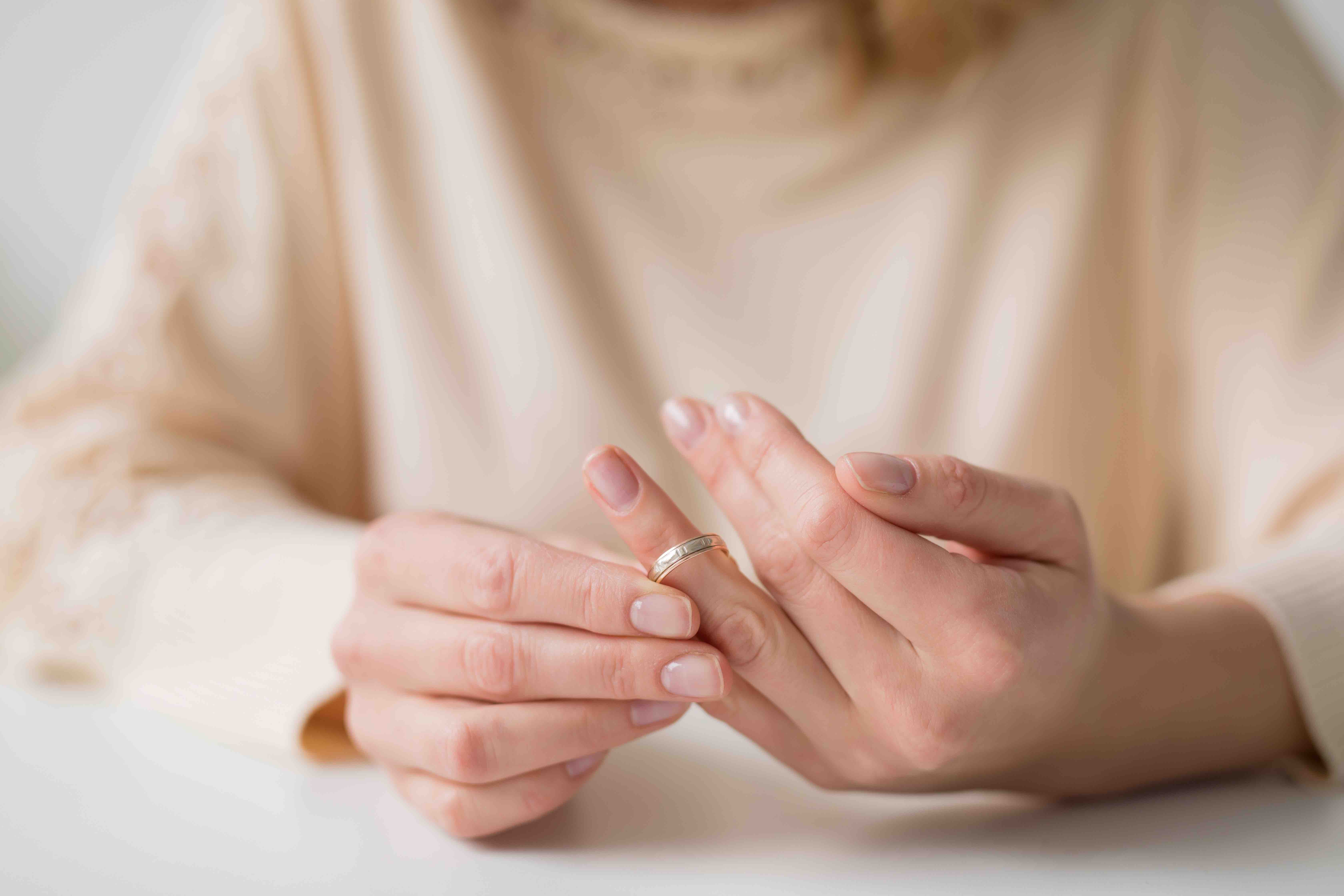 Aesthetic Medicine - Divorce drives women to have injectable
