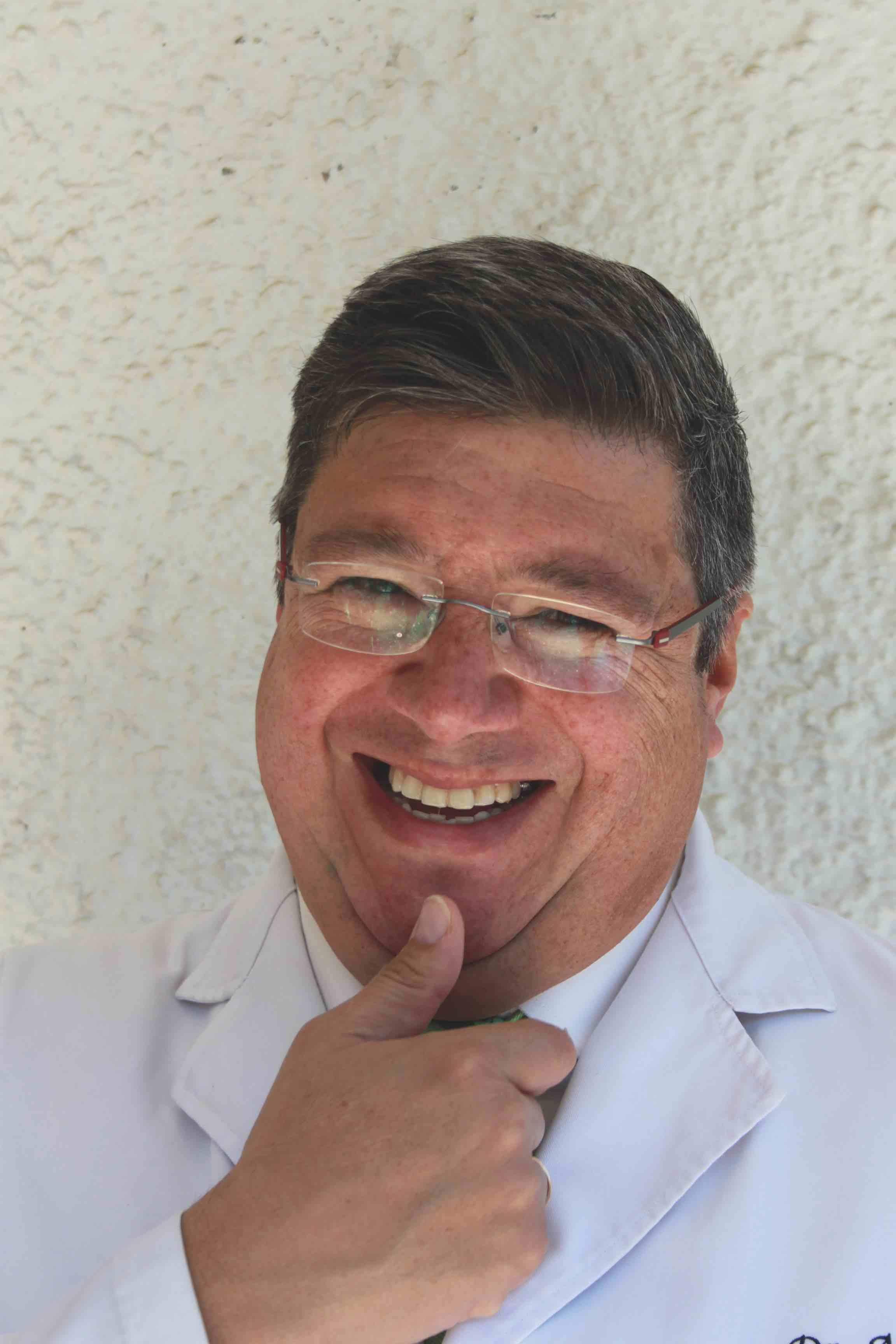 Mr Arturo Almeida